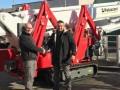 第一台32米XTJ32/C交流+锂电池履带式蜘蛛车交付意大利DECA公司