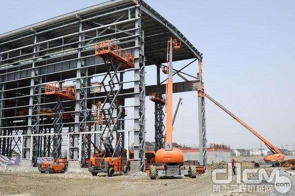太原出租升降机 6-44米各型规格都有 安全好用